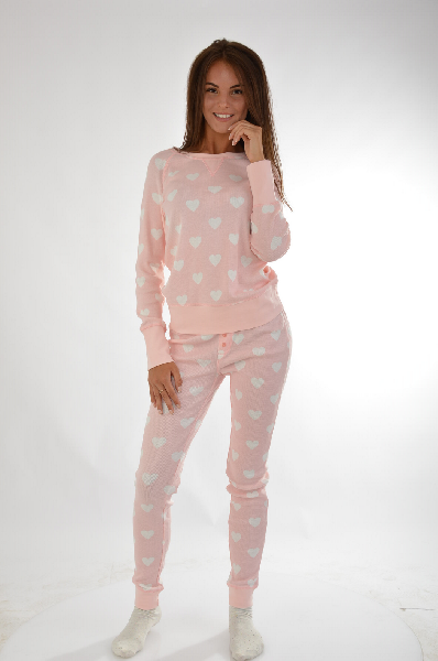 Пижама VIVANCE COLLECTIONЖенская одежда<br>Пижама. Актуальные модели! Окантовка в рубчик на круглом вырезе, по краям рукавов и брючин. Узкие брюки с эластичным поясом. 3 нежных принта. Эластичный<br> Материал: материал верха: 95% хлопок, 5% эластан<br> Страна: Германия<br><br>Материал: Хлопок<br>Сезон: МУЛЬТИ<br>Коллекция: Весна-лето<br>Пол: Женский<br>Возраст: Взрослый<br>Цвет: Розовый<br>Размер INT: L