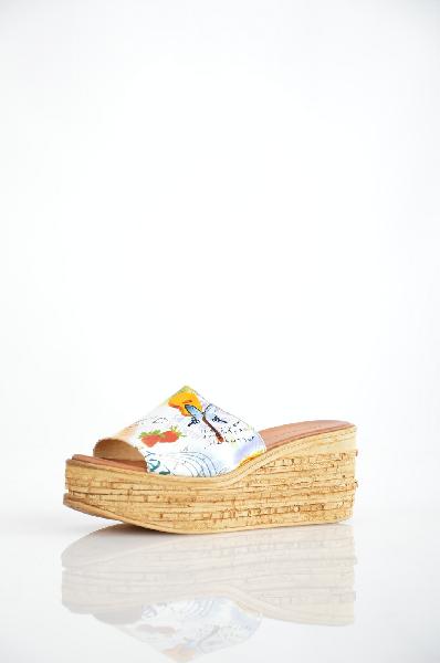 Сабо Grand StyleЖенская обувь<br>Цвет: белый, цветной<br> Материал верха: кожа натуральная<br> Материал подкладки: кожа натуральная<br> Материал стельки: кожа натуральная<br> Материал подошвы: искусственный материал, гладкая<br> Параметры изделия: для размера 38/38: высота платформы 4 см, ширина носка стельки 7,8 см, длина стельки 24 см. <br> для размера 39/39: высота платформы 4 см, ширина носка стельки 8 см, длина стельки 24,5 см<br> Уход за изделием: протирать губкой<br> Страна дизайна: Италия<br> Страна производства: Турция<br><br>Высота платформы: 4 см<br>Материал: Натуральная кожа<br>Сезон: ЛЕТО<br>Коллекция: Весна-лето<br>Пол: Женский<br>Возраст: Взрослый<br>Цвет: Разноцветный<br>Размер RU: 38