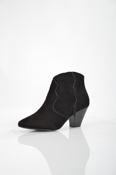 Ботильоны ASHЖенская обувь<br>Цвет: черный<br> <br> Состав: искусственная кожа,натуральный велюр<br> Материал верха Велюр<br> Вид застежки Молния<br> Высота платформы Низкая, 0.3 см<br> Материал стельки Кожа<br> Материал подошвы Кожа, 100 %<br> Форма мыска Классический мысок<br> Форма каблука Устойчивы...<br><br>Высота каблука: 6 см<br>Высота платформы: 0.3 см<br>Материал: Искусственная кожа<br>Сезон: ВЕСНА/ОСЕНЬ<br>Коллекция: (Справочник &quot;Номенклатура&quot; (Общие)): Весна-лето<br>Пол: Женский<br>Возраст: Взрослый<br>Цвет: Черный<br>Размер RU: 37