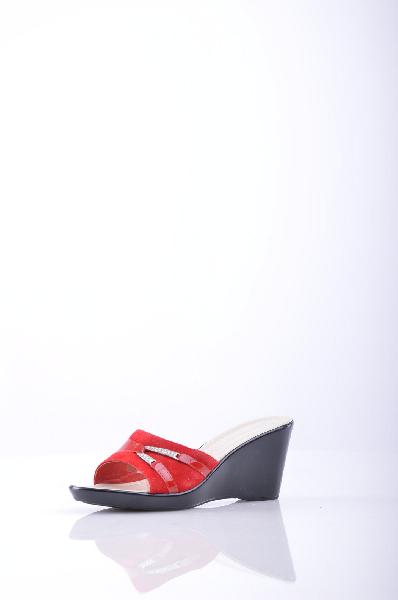 Сабо SUSIMODAЖенская обувь<br>Описание: замша, эффект лакировки, стразы, одноцветное изделие, скругленный носок, резиновая подошва<br><br>Высота каблука: 7 см <br><br>Страна: Италия<br><br>Высота каблука: 7 см<br>Материал: Натуральная кожа<br>Сезон: ЛЕТО<br>Коллекция: Весна-лето<br>Пол: Женский<br>Возраст: Взрослый<br>Цвет: Красный<br>Размер RU: 37