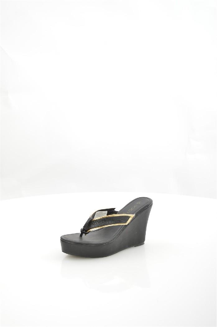 Сабо BodyflirtЖенская обувь<br>Материал:Верх: искусственная кожа<br> Подошва: синтетика<br> Стелька: искусственная кожа<br> Цвет: черный<br> Вид каблука: танкетка<br> Высота каблука-танкетки ? 10,5 см<br> Платформы ? 3,5 см.<br> <br> Страна: Германия<br><br>Высота каблука: 10.5 см<br>Высота платформы: 3.5 см<br>Материал: Искусственная кожа<br>Сезон: ЛЕТО<br>Коллекция: Весна-лето<br>Пол: Женский<br>Возраст: Взрослый<br>Цвет: Черный<br>Размер RU: 37