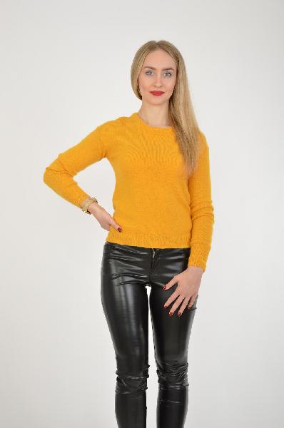 Джемпер INCITYЖенская одежда<br>Утепленная модель джемпера в приглушенном желтом цвете. Горловина имеет округлый вырез, у изделия прямой крой, мелкая вязаная фактура.<br> Материал: 90% Нейлон, 10% Ангора<br> Размер: 170-84-90<br> Страна: Россия<br><br>Материал: Нейлон<br>Сезон: ВЕСНА/ОСЕНЬ<br>Коллекция: Осень-зима<br>Пол: Женский<br>Возраст: Взрослый<br>Цвет: Желтый<br>Размер INT: S