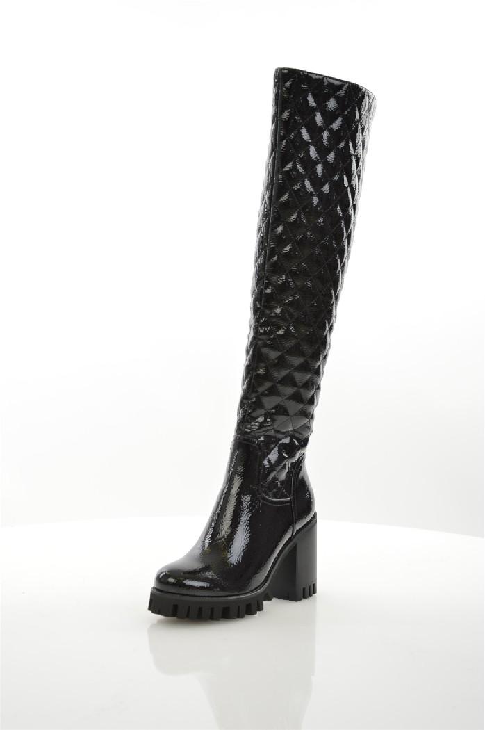 Ботфорты RidlstepЖенская обувь<br>Цвет: черный<br> Состав: искусственная лаковая кожа 100%<br> <br> Материал подкладки обуви: Байка<br> Вид застежки: Молния<br> Материал подошвы обуви: ЭВА (этиленвинилацетат)<br> Материал стельки: байка<br> Форма мыска: круглый<br> Габариты предметов: Высота подошвы: 2 см; Высота каблука: 9 см<br> Вид мыска: закрытый<br> Сезон: демисезон<br> Пол: Женский<br> Страна: Россия<br><br>Высота каблука: 9 см<br>Высота платформы: 2 см<br>Материал: Искусственная кожа<br>Сезон: ВЕСНА/ОСЕНЬ<br>Коллекция: Осень-зима<br>Пол: Женский<br>Возраст: Взрослый<br>Цвет: Черный<br>Размер RU: 37
