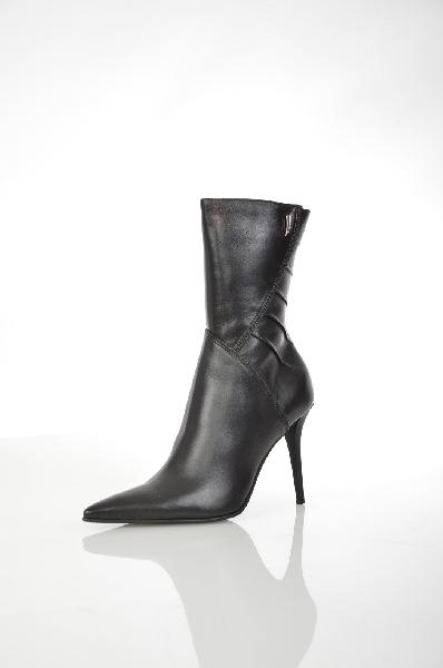 Ботильоны La GattaЖенская обувь<br>Цвет: чёрный<br> Материал верха: кожа натуральная<br> Материал подкладки: мех натуральный<br> Материал стельки: натуральный мех<br> Материал подошвы: искусственный материал, профилактика<br> Страна: Россия<br><br>Высота платформы: 0.5 см<br>Материал: Натуральная кожа<br>Сезон: ВЕСНА/ОСЕНЬ<br>Коллекция: Осень-зима<br>Пол: Женский<br>Возраст: Взрослый<br>Цвет: Черный<br>Размер RU: 38