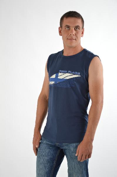 Finn Flare МайкаТопы, майки, футболки<br>Майка синего цвета от Finn Flare создана из мягкого хлопкового трикотажа. Детали: прямой крой, глубокие проймы, контрастный принт на фронтальной стороне.<br>Состав    95% - Хлопок, 5% - Эластан<br>Длина по спинке    74 см<br><br>Материал: Хлопок<br>Сезон: МУЛЬТИ<br>Коллекция: Весна-лето<br>Пол: Мужской<br>Возраст: Взрослый<br>Цвет: Синий<br>Размер INT: L
