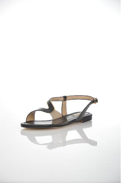 Сандалии VitacciЖенская обувь<br>Цвет: черный<br> Материал верха: кожа натуральная лакированная<br> Материал подкладки: кожа натуральная<br> Материал стельки: кожа натуральная<br> Материал подошвы: искусственный материал, гладкая<br> Высота каблука: 1,5 см<br> Цвет и обтяжка каблука: черный, не обтя...<br><br>Высота каблука: 1.5 см<br>Материал: Натуральная кожа<br>Сезон: ЛЕТО<br>Коллекция: (Справочник &quot;Номенклатура&quot; (Общие)): Весна-лето<br>Пол: Женский<br>Возраст: Взрослый<br>Цвет: Черный<br>Размер RU: 38