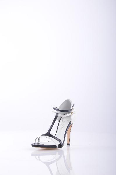 Босоножки MARIANЖенская обувь<br>Описание: два цвета принт, боковая пряжка, круг, кружево, без аппликаций, кожаная подошва, широкий Prismaabsatz <br><br>Высота каблука: 10.5 см <br>Страна: Испания<br><br>Высота каблука: 10.5 см<br>Материал: Натуральная кожа<br>Сезон: ЛЕТО<br>Коллекция: Весна-лето<br>Пол: Женский<br>Возраст: Взрослый<br>Цвет: Разноцветный<br>Размер RU: 37