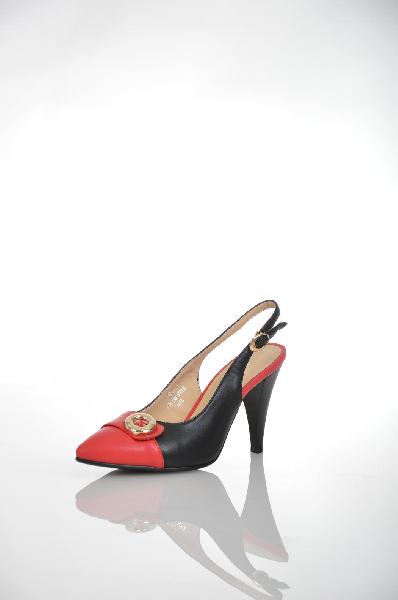 Туфли VigorousЖенская обувь<br>Цвет: красный, черный<br> Материал верха: кожа искусственная<br> Материал подкладки: кожа искусственная<br> Материал стельки: кожа искусственная<br> Материал подошвы: искусственный материал, профилактика<br> Параметры изделия: для размера 38/38: толщина подошвы 0,5 см, ширина носка стельки 7,6 см. <br> Страна: Россия<br><br>Высота платформы: 0.5 см<br>Материал: Искусственная кожа<br>Сезон: ЛЕТО<br>Коллекция: Весна-лето<br>Пол: Женский<br>Возраст: Взрослый<br>Цвет: Разноцветный<br>Размер RU: 38