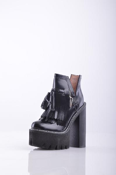 Ботинки JEFFREY CAMPBELLЖенская обувь<br>Описание: Полированная кожа, кисточки, одноцветное изделие, скругленный носок, резиновая подошва, квадратный каблук.<br><br> Высота каблука: 16 см<br><br><br> Высота платформы: 5 см<br><br><br> Высота голенища / задника: 10 см<br><br><br> Высота голени: 27 см<br><br><br> Страна: США<br><br>Высота каблука: 16 см<br>Высота платформы: 5 см<br>Объем голени: 27 см<br>Высота голенища / задника: 10 см<br>Материал: Натуральная кожа<br>Сезон: ВЕСНА/ОСЕНЬ<br>Коллекция: Осень-зима<br>Пол: Женский<br>Возраст: Взрослый<br>Цвет: Черный<br>Размер RU: 37