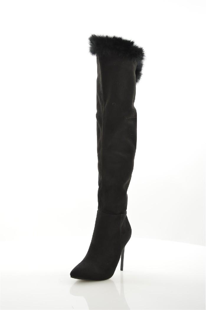Ботфорты Sweet ShoesЖенская обувь<br>Материал верха искусственная замша, натуральный мех<br> Внутренний материал байка<br> Материал стельки искусственная кожа<br> Материал подошвы искусственный материал<br> Высота голенища / задника 44 см<br> Обхват голенища 34 см<br> Высота каблука 10.5 см<br> Тип каблука Шпилька<br> Застежка на молнии<br> Цвет черный<br> Сезон Демисезон, Зима<br> Стиль Повседневный, Ультрамодный<br> Коллекция Осень-зима<br> Детали обуви меховая отделка<br> Узор Однотонный<br> Высота каблука Высокий<br><br>Высота каблука: 10.5 см<br>Объем голени: 34 см<br>Высота голенища / задника: 42 см<br>Материал: Искусственная замша<br>Сезон: ЗИМА<br>Коллекция: Осень-зима<br>Пол: Женский<br>Возраст: Взрослый<br>Цвет: Черный<br>Размер RU: 38