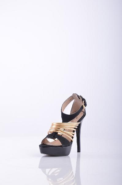 Босоножки, KliminiЖенская обувь<br>Стильные босоножки, выполненные из нубука классического черного цвета. Модель с застежкой на пряжку оформлена тонкими золотистыми ремешками. Подкладка: натуральная кожа.<br>Материал верха    Нубук<br>Материал стельки    Кожа<br>Материал подошвы    Кожа<br>Материал подкладки    Кожа<br>По назначению    Повседневные<br>Высота каблука: 12 см.<br>Высота платформы: 2.5 см<br>Страна: Россия<br><br>Высота каблука: 12 см<br>Высота платформы: 2.5 см<br>Материал: Натуральный нубук<br>Сезон: ЛЕТО<br>Коллекция: Весна-лето<br>Пол: Женский<br>Возраст: Взрослый<br>Цвет: Черный<br>Размер RU: 37