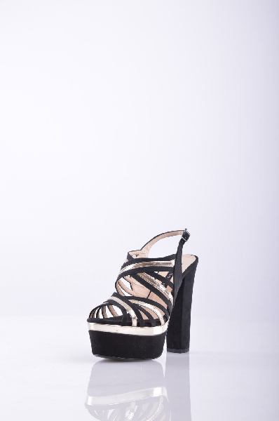 Босоножки, AlbanoЖенская обувь<br>Великолепные босоножки, верх которых выполнен из текстильного материала. Модель на высоком устойчивом каблуке снабжена застежкой на пряжку. Отличный вариант для женского гардероба.<br>Высота каблука: 14 см.<br>Высота платформы: 5 см<br>Страна: Италия<br><br>Высота каблука: 14 см<br>Высота платформы: 5 см<br>Материал: Текстиль<br>Сезон: ЛЕТО<br>Коллекция: (Справочник &quot;Номенклатура&quot; (Общие)): Весна-лето<br>Пол: Женский<br>Возраст: Взрослый<br>Цвет: Разноцветный<br>Размер RU: 37