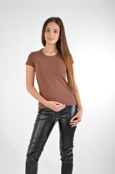 Фуфайка ZaraЖенская одежда<br>Цвет: коричневый<br> Состав: 92% хлопок, 8% эластан<br> Описание: Изделие выполнено из тонкого трикотажа<br> Параметры изделия: для размера M/44-46: обхват груди 88-92 см, длина изделия по спинке 55 см<br> Уход за изделием: стирка в теплой воде до 30° С, химчистка<br> Страна Испания<br><br>Материал: Хлопок<br>Сезон: МУЛЬТИ<br>Коллекция: Весна-лето<br>Пол: Женский<br>Возраст: Взрослый<br>Цвет: Коричневый<br>Размер INT: M