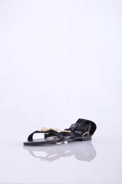 GZ сандалииЖенская обувь<br>Материал: Натуральная кожа<br>Тип каблука: Квадратный каблук<br>Высота каблука: 1.5 см<br>Страна: Италия<br><br>Высота каблука: 1.5 см<br>Материал: Натуральная кожа<br>Сезон: ЛЕТО<br>Коллекция: Весна-лето<br>Пол: Женский<br>Возраст: Взрослый<br>Цвет: Черный<br>Размер RU: 37