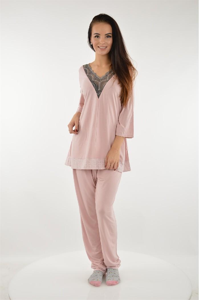 Пижама KrisLineЖенская одежда<br>Цвет: бледно-розовый,серый<br> Состав: полиамид 5%,эластан 10%,вискоза 80%,полиэстер 5%<br> <br> Длина рукава: Длинные: 44 см<br> Параметры брючин: ширина брючин - низ: 15 см; Высота посадки: 22 см; длина по внутреннему шву: 76 см<br> Длина изделия: по спинке: 94 см<br> Сезон: круглогодичный<br> Страна бренда: Польша<br> Страна производитель: Польша<br><br>Материал: Вискоза<br>Сезон: МУЛЬТИ<br>Коллекция: Весна-лето<br>Пол: Женский<br>Возраст: Взрослый<br>Цвет: Розовый<br>Размер INT: XL