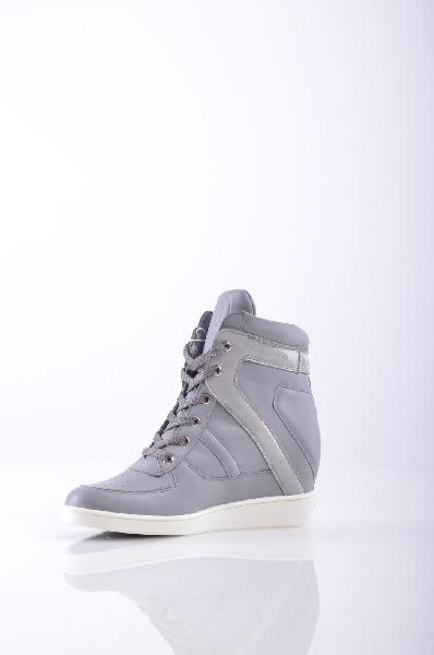Кроссовки DIRK BIKKEMBERGSЖенская обувь<br>эффект лакировки, логотип, одноцветное изделие, шнуровка, скругленный носок, резиновая подошва с тиснением, обтянутый каблук.<br>Высота каблука: 8 см.<br>Страна: Германия<br><br>Высота каблука: 8 см<br>Материал: Натуральная кожа<br>Сезон: ВЕСНА/ОСЕНЬ<br>Коллекция: Осень-зима<br>Пол: Женский<br>Возраст: Взрослый<br>Цвет: Серый<br>Размер RU: 38