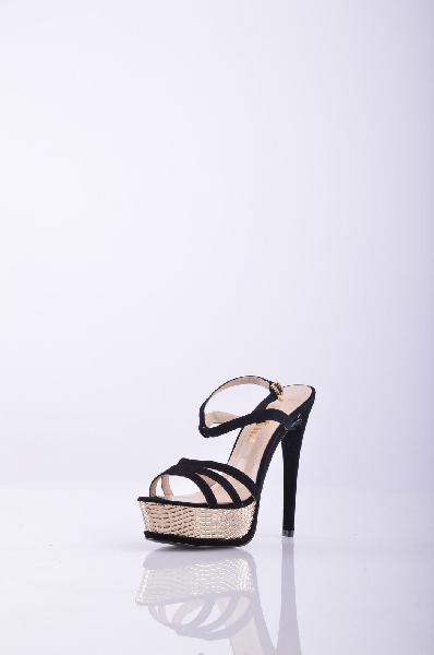Босоножки, KliminiЖенская обувь<br>Стильные босоножки с открытым мыском. Модель выполнена из высококачественного материала приятной расцветки. Отличный вариант для повседневного использования. Материал подкладки: натуральная кожа.<br>Материал верха - Замша. Материал подкладки - Кожа. Вид застежки - Пряжка. Форма мыска - Классический мысок. Форма каблука - Шпилька. Особенность материала верха - Матовый.<br>Высота каблука: 14 см.<br>Высота платформы: 3.5 см<br>Страна: Россия<br><br>Высота каблука: 14 см<br>Высота платформы: 3.5 см<br>Материал: Натуральная замша<br>Сезон: ЛЕТО<br>Коллекция: Весна-лето<br>Пол: Женский<br>Возраст: Взрослый<br>Цвет: Черный<br>Размер RU: 37