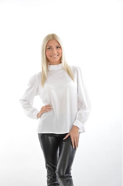 Блузка MISEBLAЖенская одежда<br>Цвет: белый<br> Состав: 100% полиэстер<br> Особенности: легкая блуза свободного кроя с воротником-стойкой сзади на пуговицах<br> Параметры изделия: обхват груди - 98 см, обхват талии - 78 см <br> Страна: Польша<br><br>Материал: Полиэстер<br>Сезон: МУЛЬТИ<br>Коллекция: (Справочник &quot;Номенклатура&quot; (Общие)): Весна-лето<br>Пол: Женский<br>Возраст: Взрослый<br>Цвет: Белый<br>Размер INT: M/L