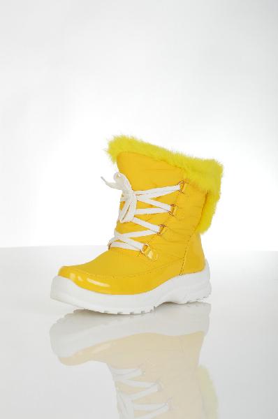 Полусапожки CooperЖенская обувь<br>Яркие желтые короткие дутые сапоги на зиму. Подходят для занятия зимними видами спорта. Детали: желтый мех по верху голенища, шнуровка, регулирующая посадку, вставки из лакового покрытия. <br> Цвет: желтый<br> <br> Состав: текстиль 100%<br> По назначению Повседне...<br><br>Материал: Текстиль<br>Сезон: ЗИМА<br>Коллекция: (Справочник &quot;Номенклатура&quot; (Общие)): Осень-зима<br>Пол: Женский<br>Возраст: Взрослый<br>Цвет: Желтый<br>Размер RU: 37