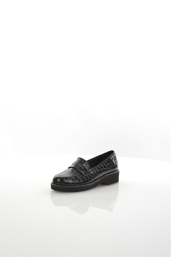 Лоферы LINO MORANOЖенская обувь<br>Цвет: черный<br> Состав: искусственный материал 100%<br> <br> Материал подкладки обуви: Искусственный материал<br> Вид застежки: Без застежки<br> Материал подошвы обуви: искусственный материал<br> Материал стельки: искусственный материал<br> Высота обуви: низкие<br> Вид каблука: без каблука<br> Форма мыска: круглый<br> Фактура материала: Гладкий<br> Габариты предметов: Высота платформы: 3 см; Высота подошвы: 3 см<br> Вид обуви: ботинки<br> Вид мыска: закрытый<br> Сезон: лето<br> Пол: Женский<br> Страна бренда: Россия<br> Страна производитель: Россия<br><br>Высота платформы: 3 см<br>Материал: Искусственный материал<br>Сезон: ЛЕТО<br>Коллекция: Весна-лето<br>Пол: Женский<br>Возраст: Взрослый<br>Цвет: Черный<br>Размер RU: 37