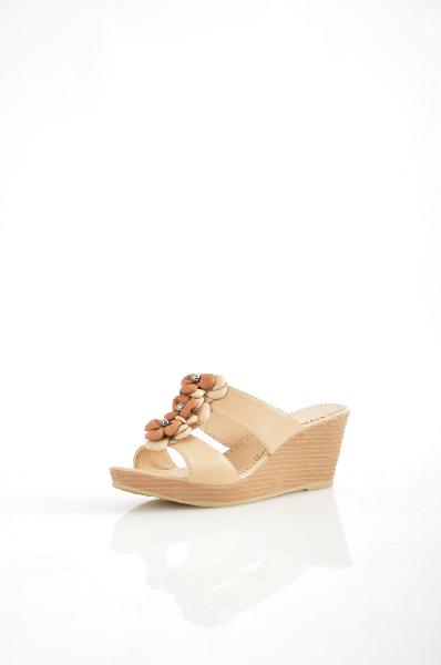 Felina СабоЖенская обувь<br>Материал верха: Натуральная кожа<br><br>Материал подкладки: Натуральная кожа<br><br>Материал подошвы: Полиуретан<br><br>Высота каблука: 7 см<br>Высота платформы: 2 см<br><br>Страна: Германия<br><br>Высота каблука: 7 см<br>Высота платформы: 2 см<br>Материал: Натуральная кожа<br>Сезон: ЛЕТО<br>Коллекция: (Справочник &quot;Номенклатура&quot; (Общие)): Весна-лето<br>Пол: Женский<br>Возраст: Взрослый<br>Цвет: Бежевый<br>Размер RU: 36