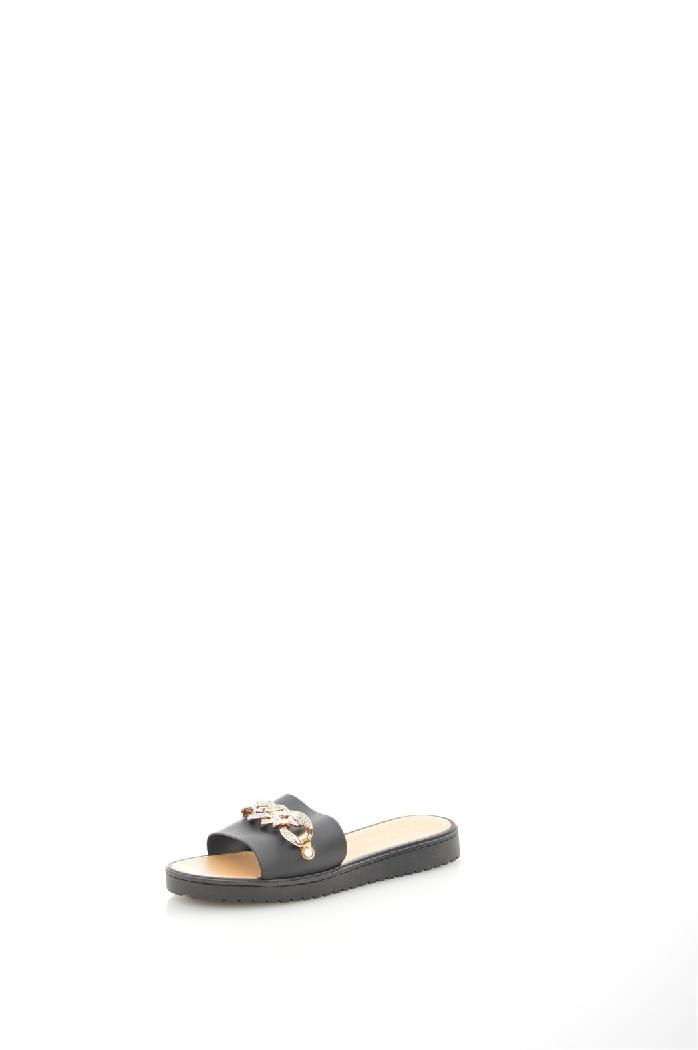 Пантолеты LAMALIBOOЖенская обувь<br>Цвет: черный<br> Материал верха: искусственный материал, отделка - металлический декор<br> Материал подкладки: искусственный материал<br> Материал стельки: кожа искусственная<br> Материал подошвы: искусственный материал, рифленая<br> Сезон: лето<br> Местоположение логотипа: стелька<br> Уход за изделием: влажная чистка<br><br>Материал: Искусственный материал<br>Сезон: ЛЕТО<br>Коллекция: Весна-лето<br>Пол: Женский<br>Возраст: Взрослый<br>Цвет: Черный<br>Размер RU: 37