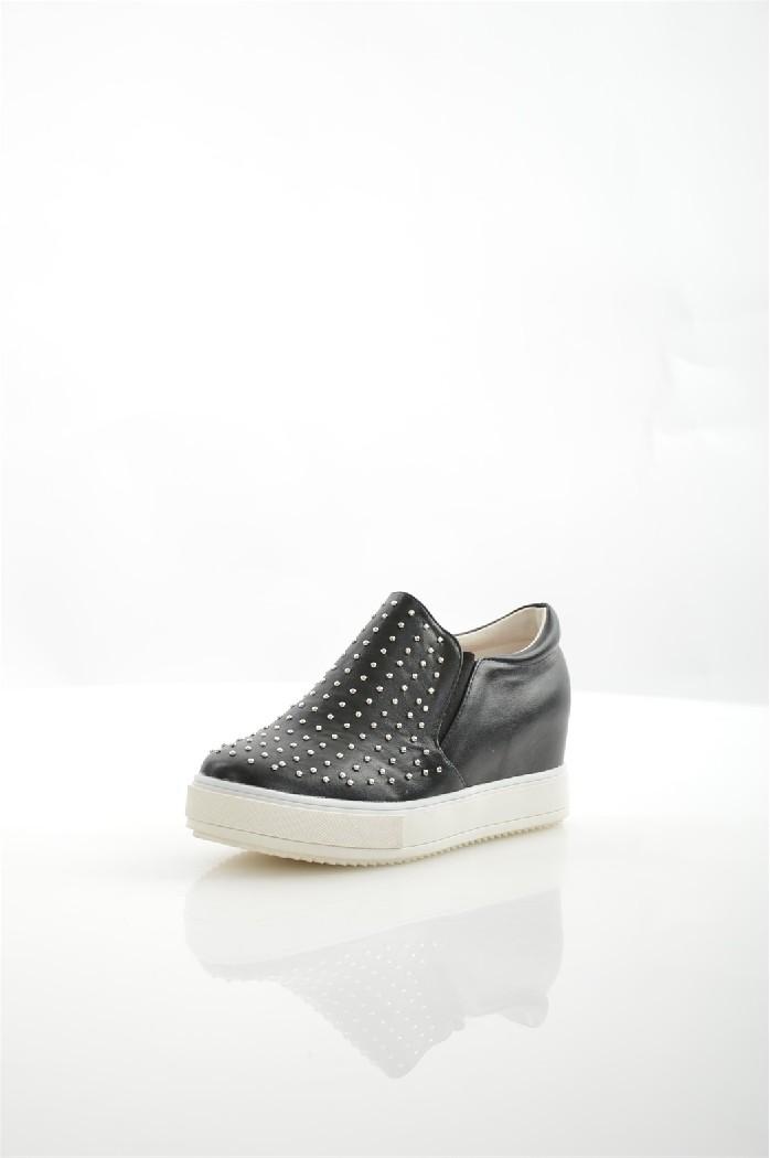 Кеды Sweet ShoesЖенская обувь<br>Материал верха искусственная кожа<br> Внутренний материал текстиль<br> Материал стельки искусственная кожа<br> Материал подошвы резина<br> Высота каблука 5.5 см<br> Тип каблука Танкетка<br> Цвет черный<br> Сезон Лето<br> Коллекция Весна-лето<br><br>Высота каблука: 5.5 см<br>Материал: Искусственная кожа<br>Сезон: ЛЕТО<br>Коллекция: Весна-лето<br>Пол: Женский<br>Возраст: Взрослый<br>Цвет: Черный<br>Размер RU: 38