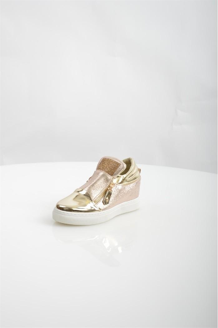 Сникеры TrastaЖенская обувь<br>Цвет: золотистый<br> Состав: искусственный материал 100%<br> <br> Материал подкладки обуви: Искусственный материал<br> Габариты предмета (см): высота каблука: 7 см; высота подошвы: 1 см; высота платформы: 1 см<br> Материал подошвы обуви: искусственный материал<br> Материал стельки: искусственный материал<br> Сезон: демисезон<br> <br> Страна бренда: Россия<br> Страна производитель: Россия<br><br>Высота каблука: 7 см<br>Высота платформы: 1 см<br>Материал: Искусственная кожа<br>Сезон: ВЕСНА/ОСЕНЬ<br>Коллекция: Весна-лето<br>Пол: Женский<br>Возраст: Взрослый<br>Цвет: Бежевый<br>Размер RU: 38