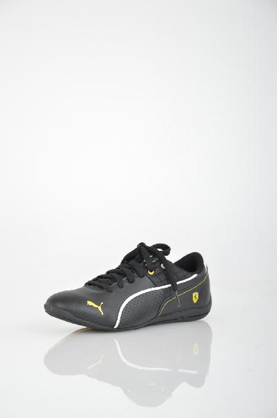 Кроссовки Puma Drift Cat 6 L SF JrЖенская обувь<br>Кроссовки Puma Drift Cat 6 выполнены из искусственной кожи черного цвета. Стелька EcoOrthoLite с антибактериальными свойствами обеспечивает максимальный комфорт. Резиновая подошва с мелким рисунком протектора и закругленной пяткой для естественности и плавности движений. Детали: плотная шнуровка, боковая перфорация, прослойка ЭВА обеспечивает идеальную амортизацию.<br> <br> Материал верха искусственная кожа<br> Внутренний материал текстиль<br> Материал стельки текстиль<br> Материал подошвы искусственный материал<br> Высота 6 см<br> Цвет черный<br> Сезон Мульти<br> Коллекция Весна-лето<br> Вид спорта Спорт стиль<br><br>Материал: Искусственная кожа<br>Сезон: МУЛЬТИ<br>Коллекция: Весна-лето<br>Пол: Женский<br>Возраст: Взрослый<br>Цвет: Черный<br>Размер RU: 38