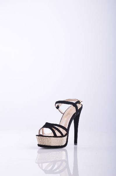 Босоножки, KliminiЖенская обувь<br>Стильные босоножки с открытым мыском. Модель выполнена из высококачественного материала приятной расцветки. Отличный вариант для повседневного использования. Материал подкладки: натуральная кожа.<br>Материал верхаЗамша<br>Материал подкладкиКожа<br>Вид застежк...<br><br>Высота каблука: 14 см<br>Высота платформы: 3.5 см<br>Материал: Замша<br>Сезон: ЛЕТО<br>Коллекция: (Справочник &quot;Номенклатура&quot; (Общие)): Весна-лето<br>Пол: Женский<br>Возраст: Взрослый<br>Цвет: Черный<br>Размер RU: 37