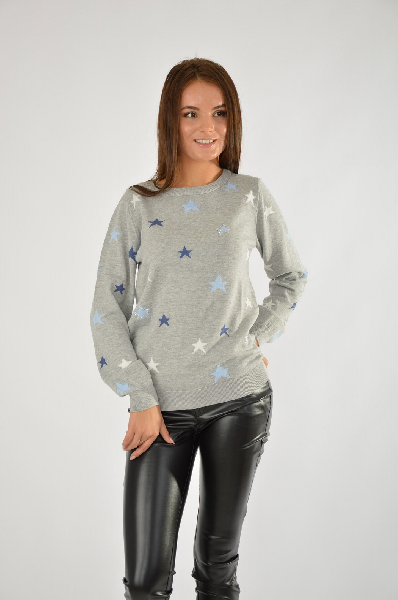 Пуловер CHEERЖенская одежда<br>Женский пуловер с украшенным стразами принтом<br> Мягкий тонкий трикотаж<br> Длинные рукава<br> Круглый вырез<br> Красиво обыгрывающий фигуру покрой<br> Изысканность в простоте! Трикотажный пуловер от Cheer очарует Вас изящным звездным рисунком, украшенным блестящими стразами. Круглый вырез, длинные рукава и резинка в рубчик по краям придают пуловеру спортивную непринужденность. Свободный, слегка удлиненный крой искусно обыгрывает фигуру. Мягкий, приятный для тела трикотаж дарит неповторимый комфорт. Комбинируя пуловер с джинсами или брюками чинос, Вы получите максимально удобный и стильный casual-комплект. Пуловер от Cheer - гарантия лаконичного модного образа! Длина размера 36 ок. 64 см.<br> Материал: материал верха: 50% хлопок, 50% полиакрил<br> Покрой облегающая фигуру модель<br> Капюшон без капюшона<br> Рукава длинный рукав<br> Вырез круглый вырез<br> Стиль стиль Casual, повседневный<br> Страна: США<br><br>Материал: Хлопок<br>Сезон: ВЕСНА/ОСЕНЬ<br>Коллекция: Осень-зима<br>Пол: Женский<br>Возраст: Взрослый<br>Цвет: Серый<br>Размер INT: M