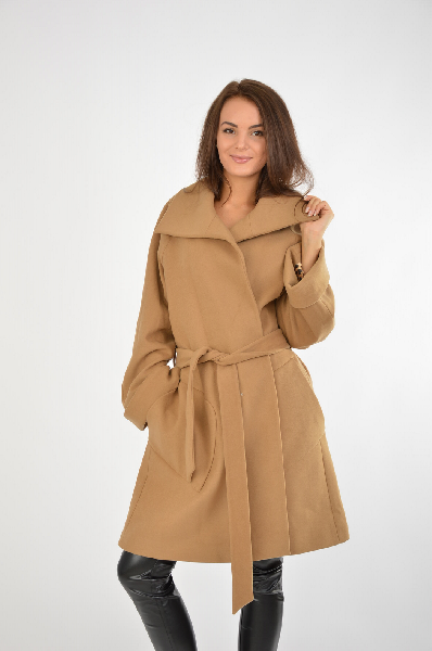 Пальто PerspectiveЖенская одежда<br>Материал: Верх - 64% Полиэстер, 31% Вискоза, 5% Лайкра<br> Подкладка: 100% Ацетат<br> Страна: Турция<br>Пальто-халат в приятном песочном оттенке - один из самых модных сегодня фасонов верхней одежды. В комбинации с красной или чёрной сумкой, ботильонами или стильными ботфортами получится современный и привлекательный образ.<br><br>Материал: Полиэстер<br>Сезон: ВЕСНА/ОСЕНЬ<br>Коллекция: Осень-зима<br>Пол: Женский<br>Возраст: Взрослый<br>Цвет: Бежевый<br>Размер INT: M