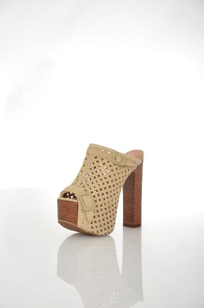 Сабо JEFFREY CAMPBELLЖенская обувь<br>Цвет: Бежевый<br> Состав: Кожа<br> Детали: замша, без аппликаций, одноцветное изделие, скругленный носок, резиновая подошва, квадратный каблук<br> Высота каблука: 17 см<br> Высота платформы: 6 см<br> Страна: США<br><br>Высота каблука: 17 см<br>Высота платформы: 6 см<br>Материал: Натуральная кожа<br>Сезон: ЛЕТО<br>Коллекция: Весна-лето<br>Пол: Женский<br>Возраст: Взрослый<br>Цвет: Бежевый<br>Размер RU: 37
