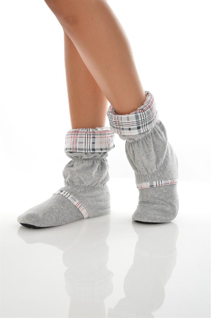 Сапожки домашние CLEOЖенская обувь<br>Цвет: серый<br> Состав: хлопок 80%,полиэстер 20%<br> <br> Вид застежки: Без застежки<br> Материал подошвы обуви: полимер<br> Материал стельки: искусственный материал<br> Материал подкладки обуви: Флис<br> Вид каблука: без каблука<br> Форма мыска: круглый<br> Назначение обуви: для дома<br> Вид мыска: открытый<br> Сезон: демисезон<br> Пол: Женский<br> Страна бренда: Россия<br> Страна производитель: Россия<br><br>Высота платформы: 0.5 см<br>Материал: Хлопок<br>Сезон: МУЛЬТИ<br>Коллекция: Осень-зима<br>Пол: Женский<br>Возраст: Взрослый<br>Цвет: Серый<br>Размер RU: 38/39