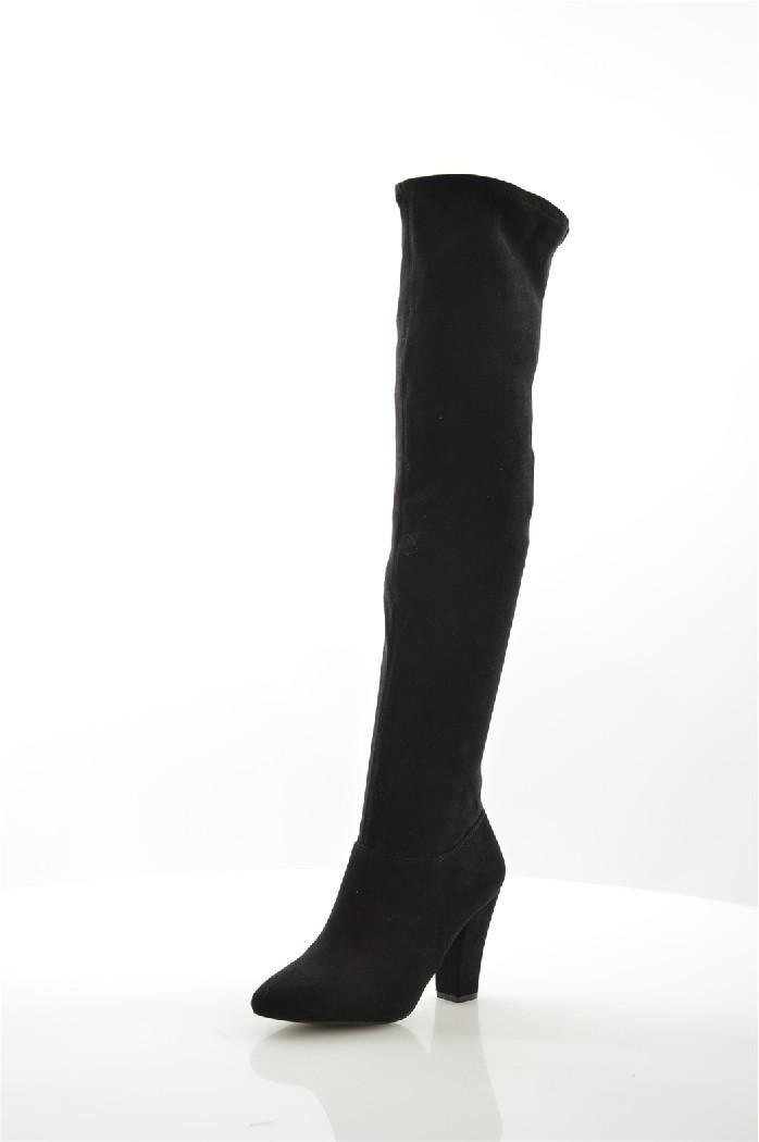 Ботфорты Call It SpringЖенская обувь<br>Ботфорты Call It Spring выполнены из эластичной искусственной замши. Детали: голенище без подкладки; в ботиночной части подкладка из текстиля; стелька из искусственной кожи; застежка на молнию с внутренней стороны; острый нос; классический каблук.<br> <br> Материал верха искусственная замша<br> Внутренний материал текстиль<br> Материал стельки искусственная кожа<br> Материал подошвы искусственный материал<br> Высота голенища / задника 54 см<br> Обхват голенища 32 см<br> Высота каблука 8.5 см<br> Тип каблука Стандартный<br> Застежка на молнии<br> Цвет черный<br> Сезон Демисезон<br> Коллекция Осень-зима<br> Тип сапог Классические сапоги<br> Страна: Канада<br><br>Высота каблука: 8.5 см<br>Объем голени: 32 см<br>Высота голенища / задника: 54 см<br>Материал: Искусственная замша<br>Сезон: ВЕСНА/ОСЕНЬ<br>Коллекция: Осень-зима<br>Пол: Женский<br>Возраст: Взрослый<br>Цвет: Черный<br>Размер RU: 37.5