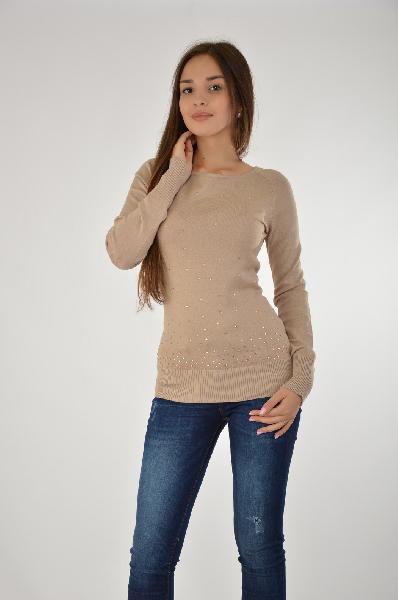 Пуловер MelroseЖенская одежда<br>Бежевый пуловер от американского производителя отличается высоким качеством исполнения и доступной ценой. Изделие украшено стразами, имеет длину до бедра, длинный рукав, плотно прилегающие манжеты. Отличная посадка благодаря ткани, модель выгодно повторяет изгибы фигуры. <br><br>Стильный пуловер с круглым неглубоким вырезом из качественного материала, который хорошо садится по фигуре. Изделие имеет спокойную серо-голубую расцветку, передняя часть украшена стразами. <br>Спереди отделка сверкающими стразами. Длина ок. 64 см. Мягкий, приятный для тела<br> Материал: трикотаж, 70% вискоза, 30% полиамид<br> Страна: США<br><br>Материал: Вискоза<br>Сезон: МУЛЬТИ<br>Коллекция: Осень-зима<br>Пол: Женский<br>Возраст: Взрослый<br>Цвет: Серый<br>Размер INT: XS