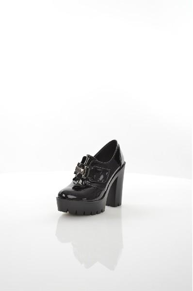 Ботильоны BALD EAGLEЖенская обувь<br>Цвет: черный<br> Состав: искусственный материал 100%<br> <br> Фактура материала: Кожаный<br> Вид застежки: Молния<br> Материал подкладки обуви: Искусственный материал<br> Материал подошвы обуви: искусственный материал<br> Материал стельки: искусственный материал<br> Вид ...<br><br>Высота каблука: 10 см<br>Высота платформы: 3 см<br>Материал: Искусственная кожа<br>Сезон: ВЕСНА/ОСЕНЬ<br>Коллекция: (Справочник &quot;Номенклатура&quot; (Общие)): Весна-лето<br>Пол: Женский<br>Возраст: Взрослый<br>Цвет: Черный<br>Размер RU: 38