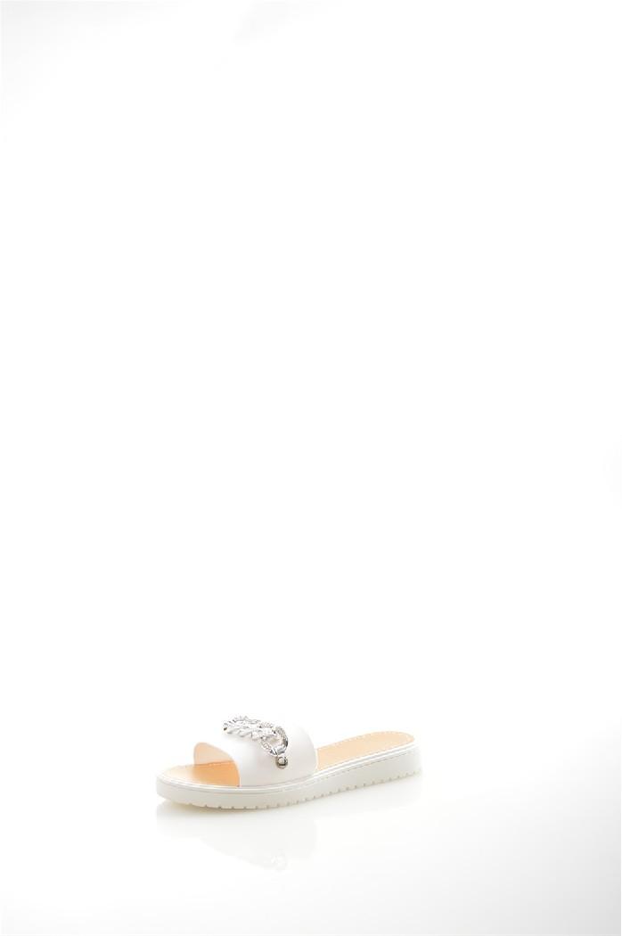 Пантолеты LAMALIBOOЖенская обувь<br>Цвет: белый<br> Материал верха: искусственный материал, отделка - металлический декор<br> Материал подкладки: искусственный материал<br> Материал стельки: кожа искусственная<br> Материал подошвы: искусственный материал, рифленая<br> Сезон: лето<br> Местоположение логотипа: стелька<br> Уход за изделием: влажная чистка<br><br>Материал: Искусственный материал<br>Сезон: ЛЕТО<br>Коллекция: Весна-лето<br>Пол: Женский<br>Возраст: Взрослый<br>Цвет: Белый<br>Размер RU: 38