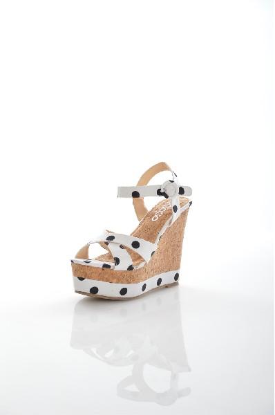 Босоножки Go-GoЖенская обувь<br>Босоножки Go-Go выполнены из текстиля. Детали: подкладка из искусственной кожи, застежка на пряжку, танкетка.<br> <br> Материал верха текстиль<br> Внутренний материал искусственная кожа<br> Материал стельки искусственный материал<br> Материал подошвы резина<br> Высота каблука 13 см<br> Высота платформы 5.5 см<br> Тип каблука Танкетка, Платформа<br> Застежка на пряжке<br> <br> Цвет белый<br> Сезон Лето<br> Стиль Повседневный<br> Коллекция Весна-лето<br> Узор Горох<br> Высота каблука Высокий<br> Тип босоножек С застежкой вокруг лодыжки<br> Страна: Италия<br><br>Высота каблука: 13 см<br>Высота платформы: 5.5 см<br>Материал: Текстиль<br>Сезон: ЛЕТО<br>Коллекция: Весна-лето<br>Пол: Женский<br>Возраст: Взрослый<br>Цвет: Разноцветный<br>Размер RU: 38