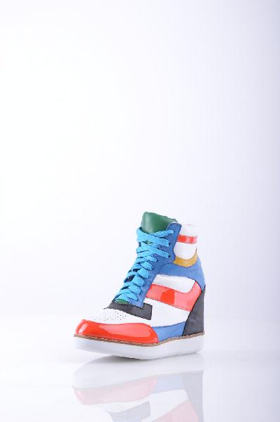 Кеды JEFFREY CAMPBELLЖенская обувь<br>Материал: перфорированная ткань, эффект лакировки, кожаные аппликации, разноцветный узор, шнуровка, скругленный носок, резиновая подошва, скрытая танкетка.<br> Высота каблука: 9 см.<br>Страна: США<br><br>Высота каблука: 9 см<br>Материал: Натуральная кожа<br>Сезон: ЛЕТО<br>Коллекция: Весна-лето<br>Пол: Женский<br>Возраст: Взрослый<br>Цвет: Разноцветный<br>Размер RU: 37