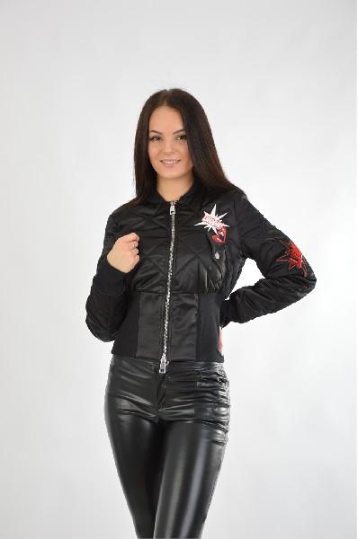 Куртка утепленная Liu Jo JeansЖенская одежда<br>Стеганая куртка от премиум-марки Liu Jo Jeans выполнена из гладкого текстиля черного цвета. Модель приталенного кроя с синтепоновым утеплителем. Особенности: воротник-стойка, застежка на молнию с двусторонним ходом, два кармана на груди, трикотажные манже...<br><br>Материал: Полиэстер<br>Сезон: ВЕСНА/ОСЕНЬ<br>Коллекция: (Справочник &quot;Номенклатура&quot; (Общие)): Осень-зима<br>Пол: Женский<br>Возраст: Взрослый<br>Цвет: Черный<br>Размер INT: S