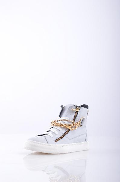 Кроссовки GEORGE J. LOVEЖенская обувь<br>аппликации из металла, одноцветное изделие, шнуровка, скругленный носок, резиновая подошва, без каблука, маленький размер<br>Страна: Италия<br><br>Материал: Натуральная кожа<br>Сезон: ЛЕТО<br>Коллекция: (Справочник &quot;Номенклатура&quot; (Общие)): Весна-лето<br>Пол: Женский<br>Возраст: Взрослый<br>Цвет: Белый<br>Размер RU: 38