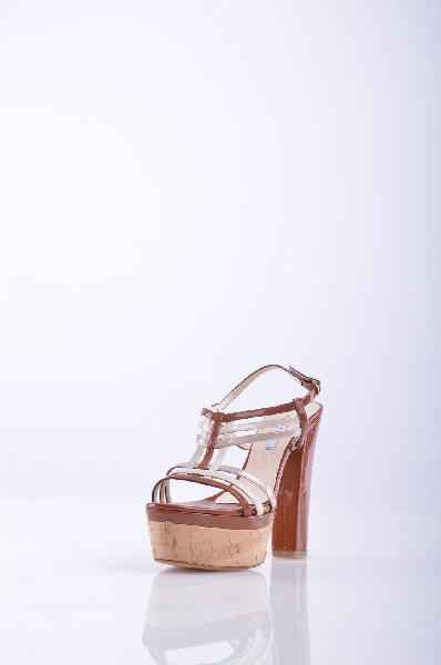 Босоножки, AlbanoЖенская обувь<br>Великолепные босоножки на высоком и устойчивом каблуке и платформе. Изысканный дизайн модели поможет Вам создать привлекательный образ. Имеется застежка на пряжку. Стильный вариант на любой случай.<br>Высота каблука: 13.5 см.<br>Высота платформы: 5 см<br>Страна...<br><br>Высота каблука: 13.5 см<br>Высота платформы: 5 см<br>Материал: Текстиль<br>Сезон: ЛЕТО<br>Коллекция: (Справочник &quot;Номенклатура&quot; (Общие)): Весна-лето<br>Пол: Женский<br>Возраст: Взрослый<br>Цвет: Разноцветный<br>Размер RU: 38