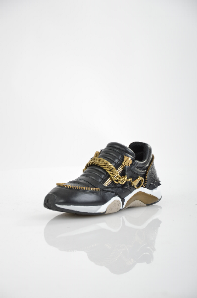 Кроссовки ASHЖенская обувь<br>Цвет: черный<br> <br> Состав: натуральная кожа<br> Вид застежки Молния<br> Высота платформы Cредняя, 2.3 см<br> Материал верха Кожа<br> Материал стельки Текстиль, 100 %<br> Материал подошвы Резина, 100 %<br> Форма мыска Закругленный мысок<br> Особенность материала верха С ...<br><br>Материал: Натуральная кожа<br>Сезон: ЛЕТО<br>Коллекция: (Справочник &quot;Номенклатура&quot; (Общие)): Весна-лето<br>Пол: Женский<br>Возраст: Взрослый<br>Цвет: Черный<br>Размер RU: 37