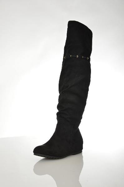 Сапоги AldoЖенская обувь<br>цвета, внутренняя отделка из текстиля. Детали: застежка на молнию, шнуровка на голенище.<br> Цвет черный<br> Сезон Демисезон<br> Коллекция Осень-зима<br> Материал верха искусственная замша<br> Внутренний материал текстиль<br> Материал стельки текстиль<br> Материал подошвы искусственный материал<br> Высота голенища / задника 38 см<br> Обхват голенища 34 см<br> Высота каблука 3.5 см<br> Страна: Канада<br><br>Высота каблука: 3.5 см<br>Объем голени: 34 см<br>Высота голенища / задника: 38 см<br>Материал: Искусственная замша<br>Сезон: ВЕСНА/ОСЕНЬ<br>Коллекция: Осень-зима<br>Пол: Женский<br>Возраст: Взрослый<br>Цвет: Черный<br>Размер RU: 38