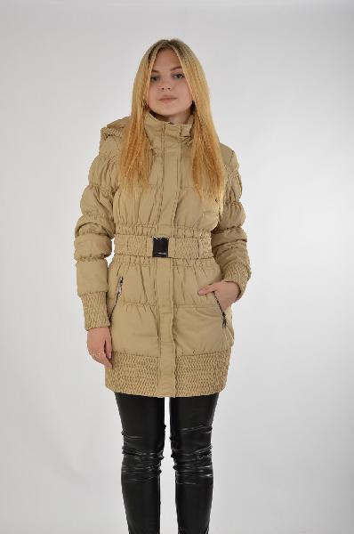 Пуховик TOP SECRETЖенская одежда<br>Пуховая куртка-пальто выполнена из плотного текстиля, имеет наполнитель в виде синтепона. Детали: ремень с металлической бляшкой, плотно прилегающие манжеты, капюшон, вместительные карманы на молнии. <br> <br> Цвет: бежевый<br> Состав: 100% полиэстер<br> Уход за изделием: бережная стирка<br> Страна: Польша<br><br>Материал: Полиэстер<br>Сезон: ЗИМА<br>Коллекция: Осень-зима<br>Пол: Женский<br>Возраст: Взрослый<br>Цвет: Бежевый<br>Размер INT: S