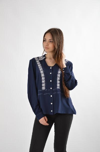 Блузка E.LEVYЖенская одежда<br>Размер 38/44 RU<br>Состав: 94,5% вискоза, 5,5% эластан<br>Описание: оригинальная туника с длинными рукавом. Выполнена из ткани джерси. Декорирована металлическими молниями.<br>Параметры изделия<br>для размера 44: обхват груди 100 см, обхват талии 83 см, объем бедер 108 см<br><br>Местоположение логотипа: спинка изделия<br>Уход за изделием: деликатная стирка при 30 С, не отжимать в центрифуге, не отбеливать, не хлорировать, сушить на вешалке<br><br>Материал: Вискоза<br>Сезон: МУЛЬТИ<br>Коллекция: Весна-лето<br>Пол: Женский<br>Возраст: Взрослый<br>Размер INT: M