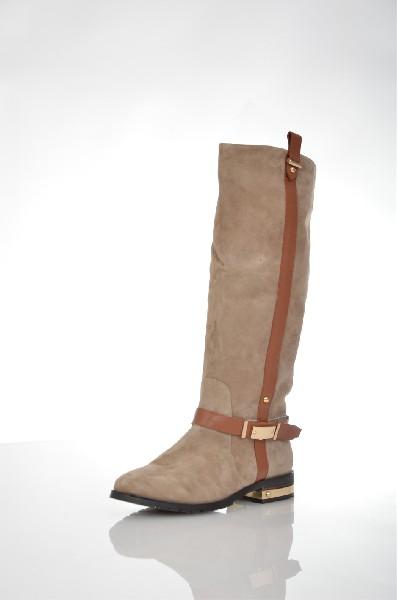 Сапоги VitacciЖенская обувь<br>Цвет: светло-бежевый, золотистый, коричневый<br> <br> Состав: натуральная кожа, натуральный велюр<br> <br> Материал верха Велюр<br> Высота каблука Маленький: 3.0 см<br> Высота платформы Низкая: 1.0 см<br> Материал подкладки Текстиль<br> Голенище Высота голенища: 37.0 см; Обхват голенища: 33.0 см<br> Сезон демисезон<br> Пол Женский<br> Страна Россия<br><br>Высота каблука: 3 см<br>Высота платформы: 1 см<br>Объем голени: 33 см<br>Высота голенища / задника: 37 см<br>Материал: Натуральный велюр<br>Сезон: ВЕСНА/ОСЕНЬ<br>Коллекция: Осень-зима<br>Пол: Женский<br>Возраст: Взрослый<br>Цвет: Бежевый<br>Размер RU: 38