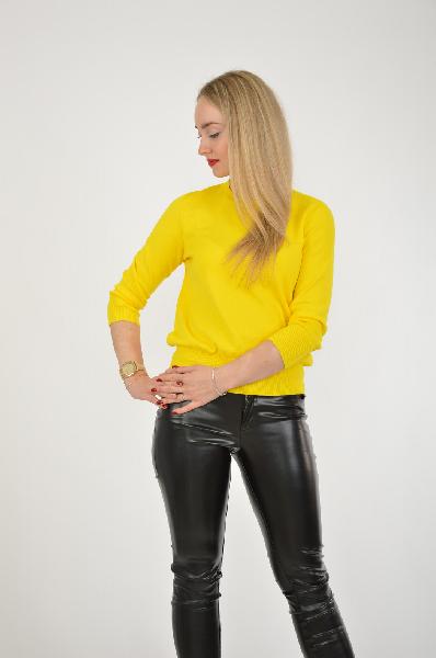 Джемпер INCITYЖенская одежда<br>Желтый джемпер в традиционном варианте от бренда Incity. Лаконичное исполнение сочетается с ярким эффектным цветом. Изделие можно использовать в повседневном гардеробе.<br> Материал: 100% Полиэстер<br> Размер: 170-88-94<br> Страна: Россия<br><br>Материал: Полиэстер<br>Сезон: ВЕСНА/ОСЕНЬ<br>Коллекция: Осень-зима<br>Пол: Женский<br>Возраст: Взрослый<br>Цвет: Желтый<br>Размер INT: S