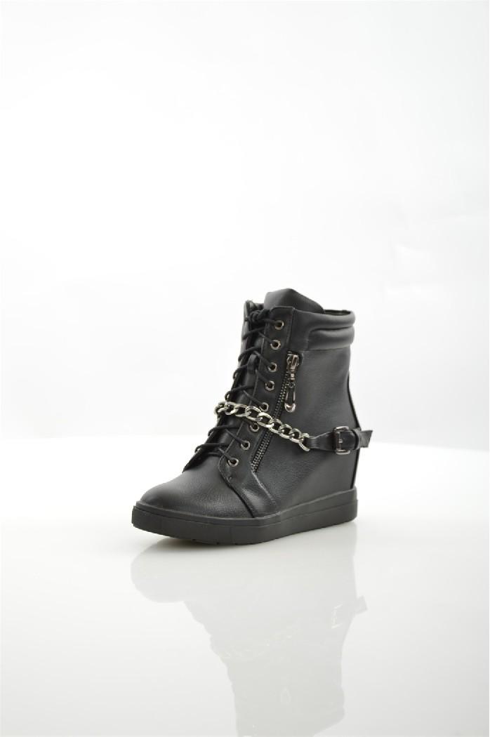 Сникеры Francesco DonniЖенская обувь<br>Цвет: черный<br> Состав: искусственная кожа 100%<br> <br> Материал подкладки обуви: Байка<br> Габариты предмета: высота платформы: 7 см; высота подошвы: 1 см; высота каблука: 7 см<br> Материал подошвы обуви: ТЭП (термоэластопласт)<br> Материал стельки: байка<br> Вид каблука: танкетка<br> Форма мыска: круглый<br> Вид мыска: закрытый<br> Сезон: демисезон<br> <br> Страна: Россия<br><br>Высота каблука: 7 см<br>Высота платформы: 1 см<br>Материал: Искусственная кожа<br>Сезон: ВЕСНА/ОСЕНЬ<br>Коллекция: Осень-зима<br>Пол: Женский<br>Возраст: Взрослый<br>Цвет: Черный<br>Размер RU: 38